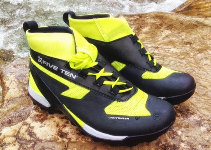 Professionelle Schuhe sind perfekt für Canyoning Bodengo